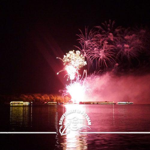 Havel in Flammen - Feuerwerk mit Schiffskorso